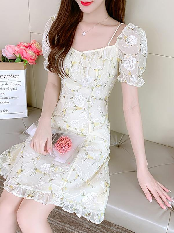 2021 New Ditsy Floral Embroidery Square Neck Spaghetti Strap Dresses