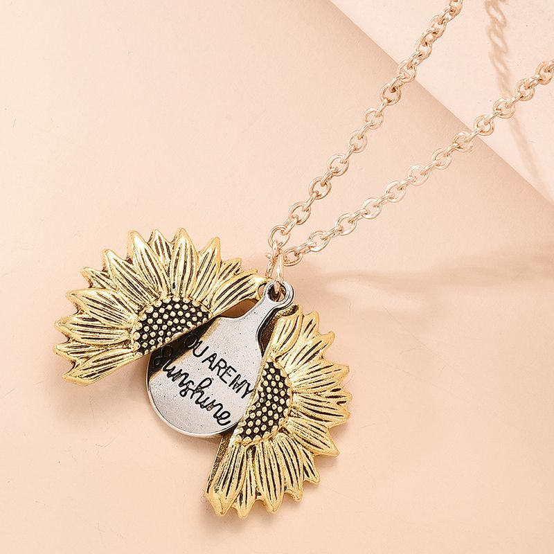 Retro Creative Necklace Personality Hip-hop Openable Sunflower Pendant Necklace