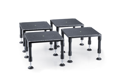 Adjustable levelling tables