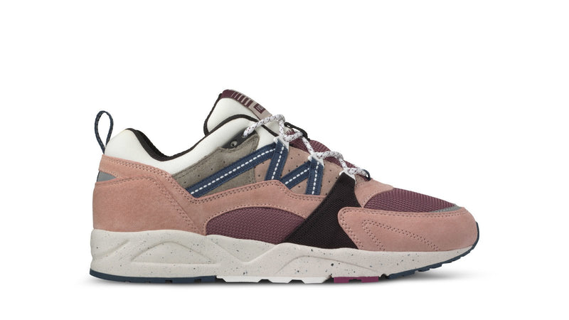 Karhu fusion 2.0 misty rose reflecting pond left