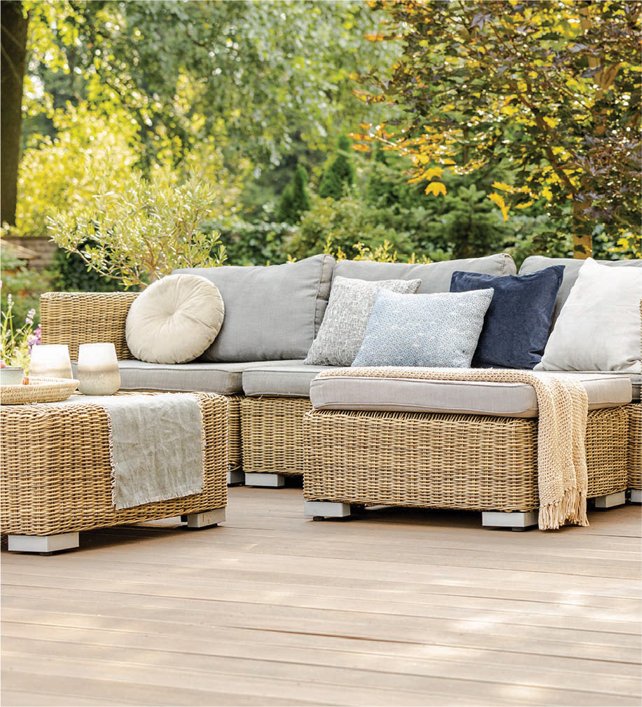 Luxury Outdoor Wicker Sectional
