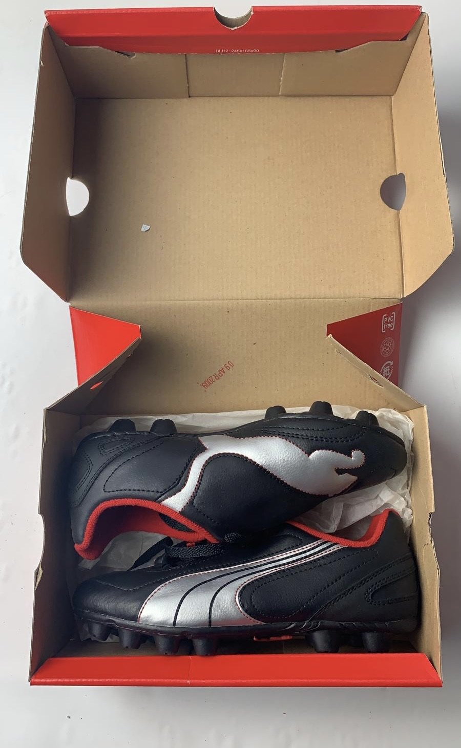 Puma v6.08 HG JR Youth Black Silver Red Black Size 3.5 Soccer Cleats Shoes NEW