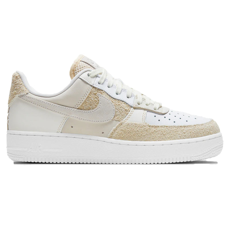 Nike Air Force 1 07 'Coconut Milk' (W)