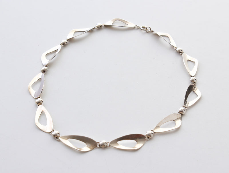 Necklace in silver Sweden 1960 E38