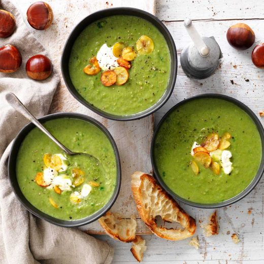 Chestnut, spinach & green pea soup