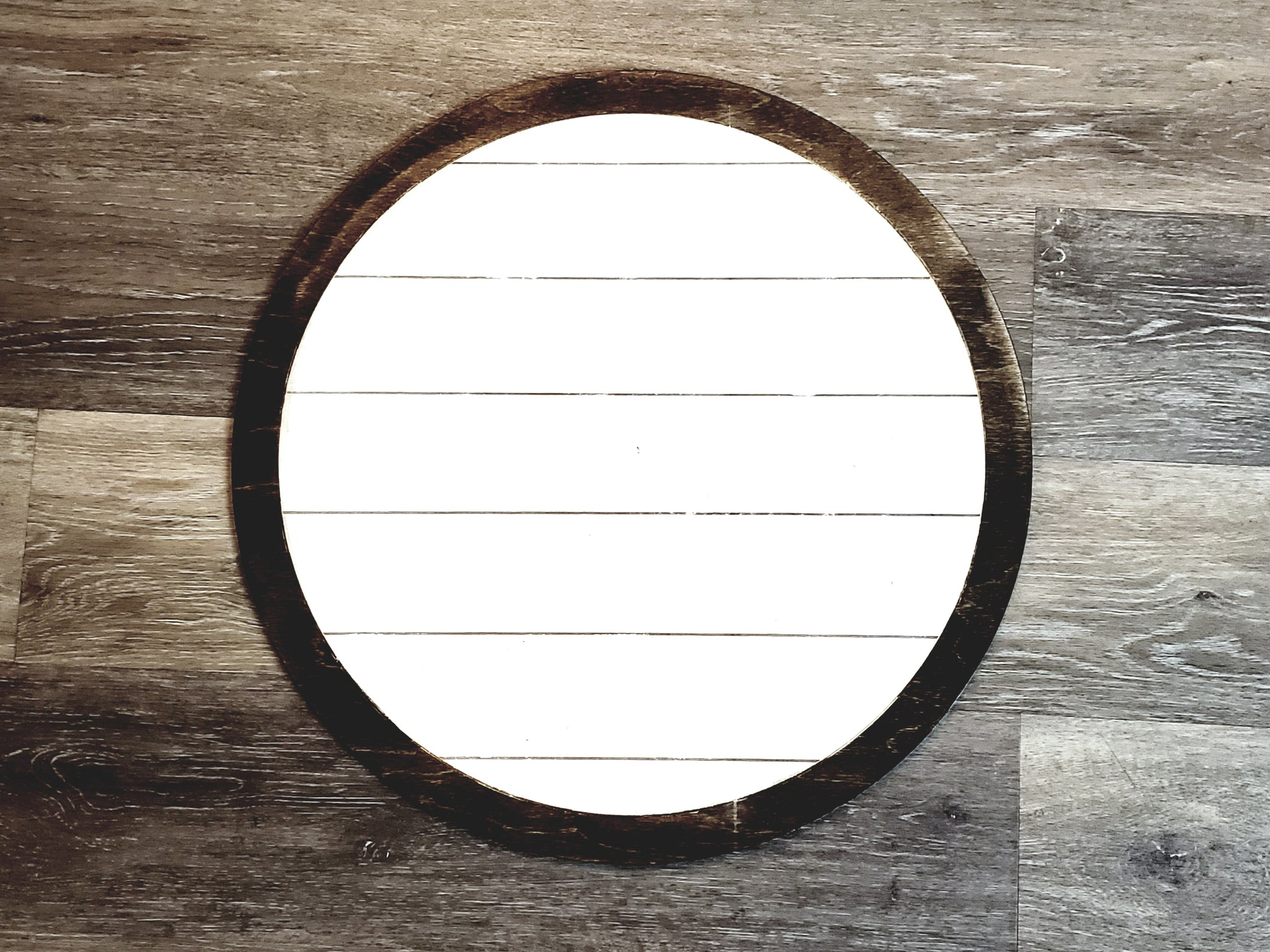 Shiplap Round with Border SVG