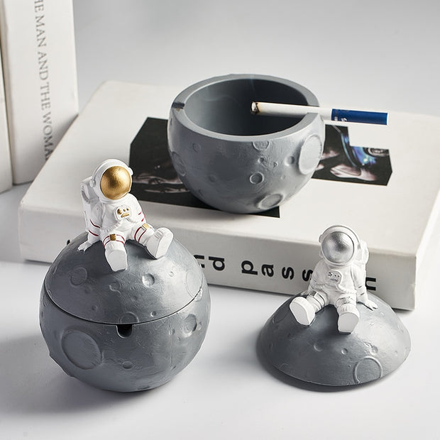 Astronaut Pen Holder - ProjectorPro