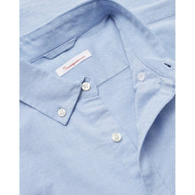 Afbeelding in Gallery-weergave laden, Knowledge Cotton Apparel - Elder Shirt Oxford Stretch Light Blue