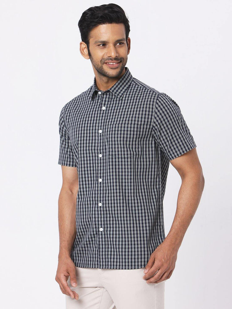 Men's Poplin Black Checks Half Sleeves Shirt