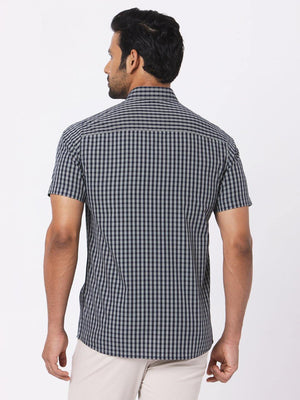 Load image into Gallery viewer, Men's Poplin Black Checks Half Sleeves Shirt