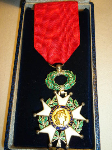 FRENCH LEGION OF HONOUR WITH CASE OF ISSUE