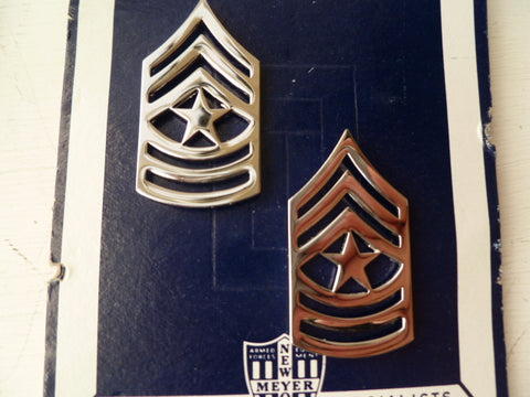 USA army  sgt chevrons pair gold metal