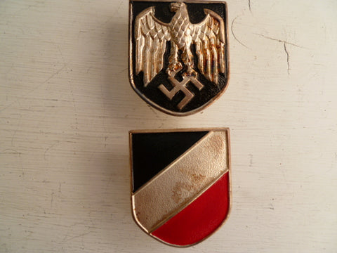 GERMAN WWII REPRO badges for pith helmet tropical