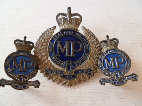 NEW ZEALAND  MP cap badge and collars SET  metal  lugs