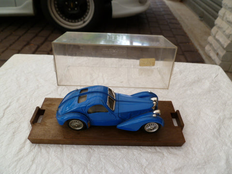 BRUMM   boxed again no outer box no name bugatti hand written on