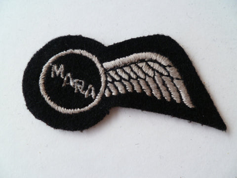 AIRLINE 1/2 WING  EMBROIDED white on black MARA
