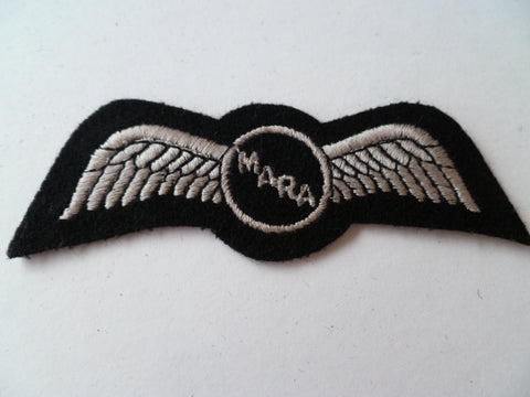 AIRLINE WING  EMBROIDED white on black MARA