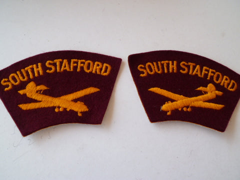BRITAIN south stafford glider regt pair L&R