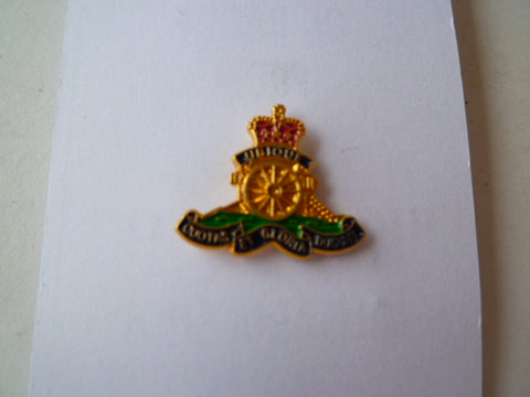 BRITAIN ARTILLERY lapel badge