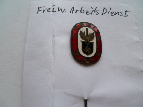 GERMAN WWII lapel badge FREIW ARBEITS DIENST maker mark