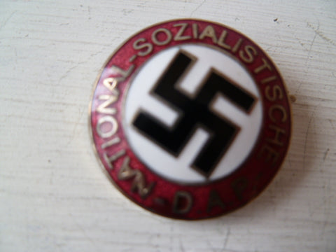GERMAN WWII nsdap party  badge m/m