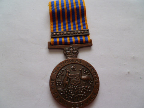 aust national service medal with bar named t b vincent 14222