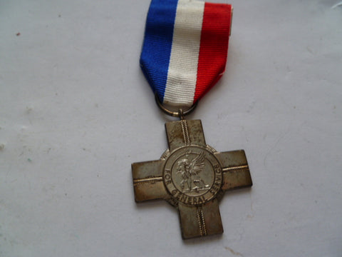 brit general service cross unnamed is hallmarked silver