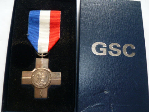 brit general service cross REME named is hallmarked silver