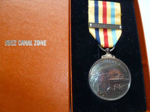 brit suez canal zone medal with bar suez landings boxed