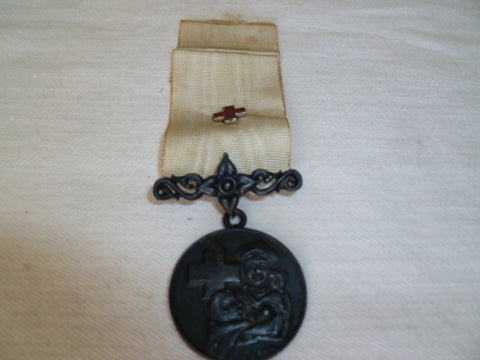 thailand old medal of red cross w/device on ribbon