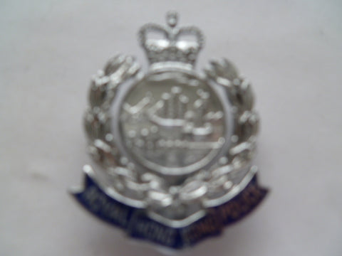 hong kong old q/c cap badge firman london maker