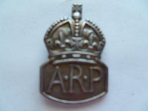 brit ARP collar /lapel badge exc cond and silver marked