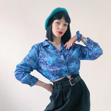 Load image into Gallery viewer, REWORK CROP BLOUSE - BLUE FLORAL  - SIZE 8/10