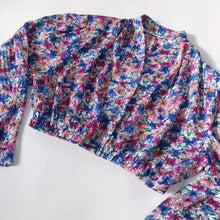 Load image into Gallery viewer, REWORK CROP BLOUSE - PINK PURPLE ORANGE FLORAL - SIZE 8/10