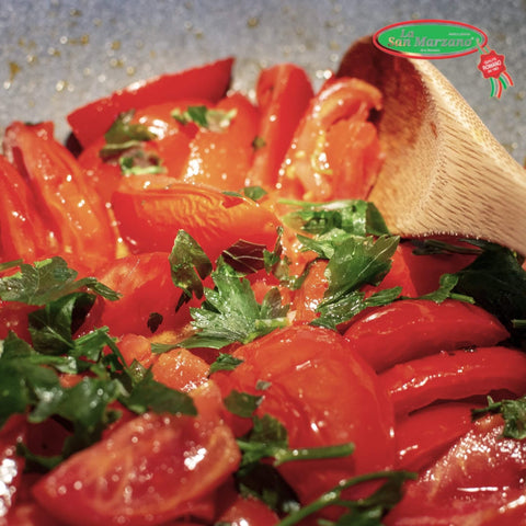La San Marzano Italian Peeled Plum Tomatoes with Basil Sauce 28 oz. - Wholesale Italian Food