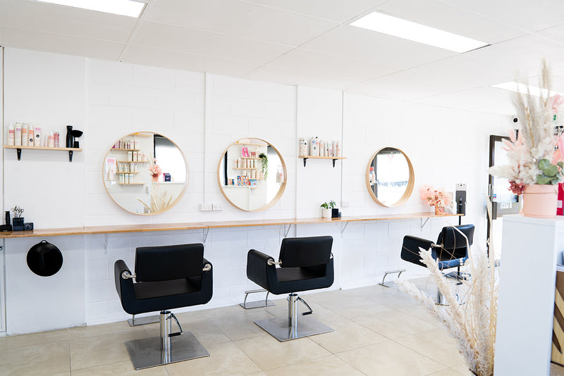 Salon Mirror Ideas: A Simple Guide to Low Budget Beauty Parlor Interior Design