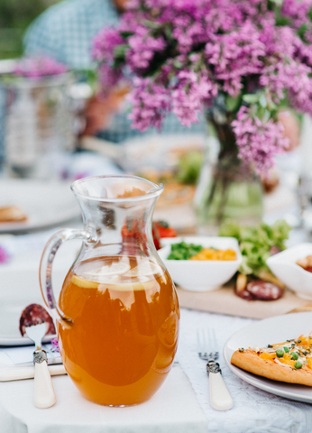 How to Make a Pitcher of Iced Tea