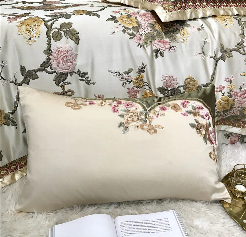 Garden of Silky Flowers Luxury Jaquard Bedding Set (Egyptian Cotton)