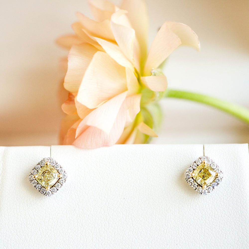 Boucles d'oreilles de diamants jaunes