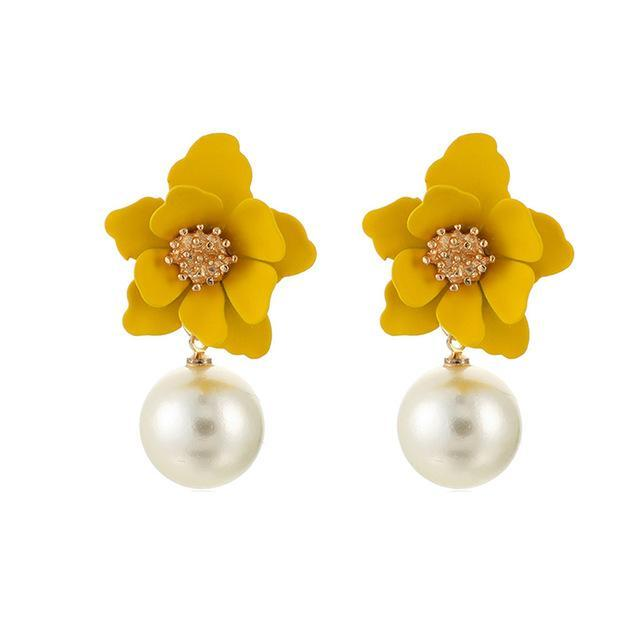 Dots pearl flowers drop earrings - Fashion Bug Online