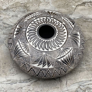 Hand Etched Acoma Pottery - Horsehair Pot