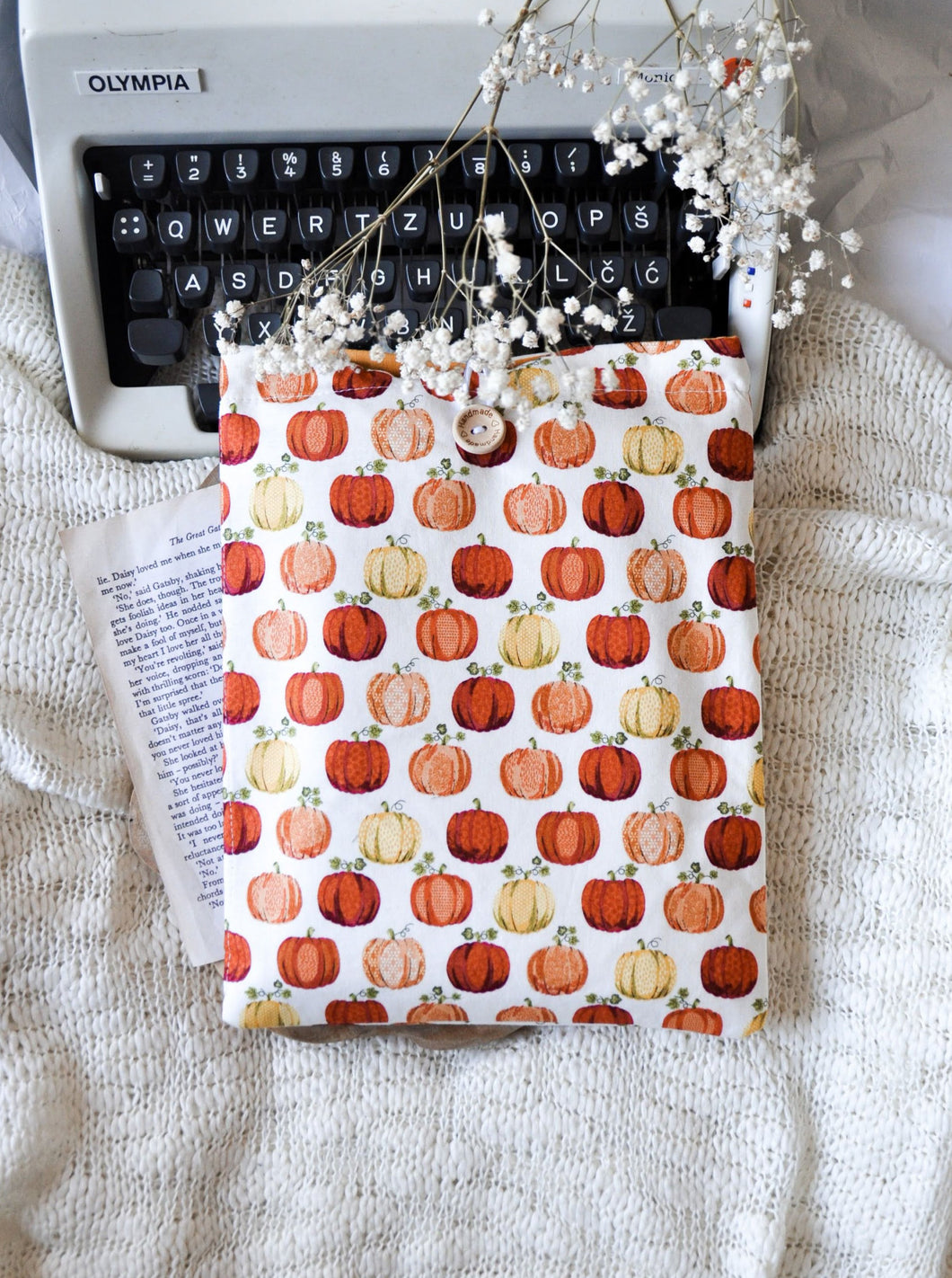 Pumpkin Book Sleeve - L SIZE