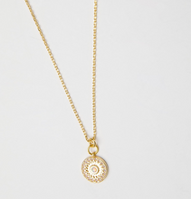 Load image into Gallery viewer, Opal Sun Necklace