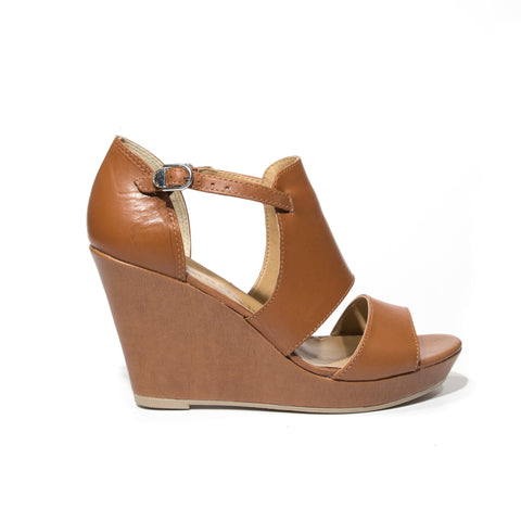 Tamaris tan leather wedge