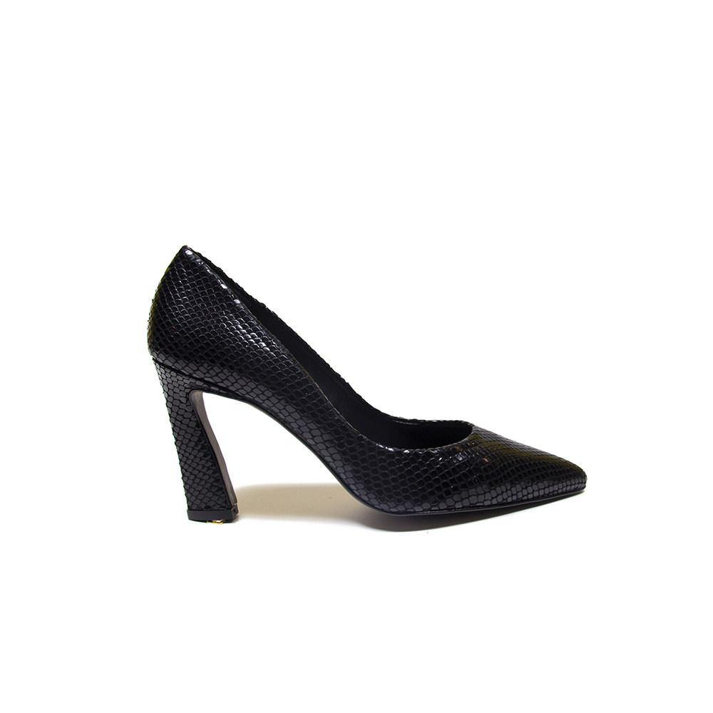Kendall Black Leather Snake Court Shoe - Vanessa London