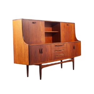 Credenzas and Dressers