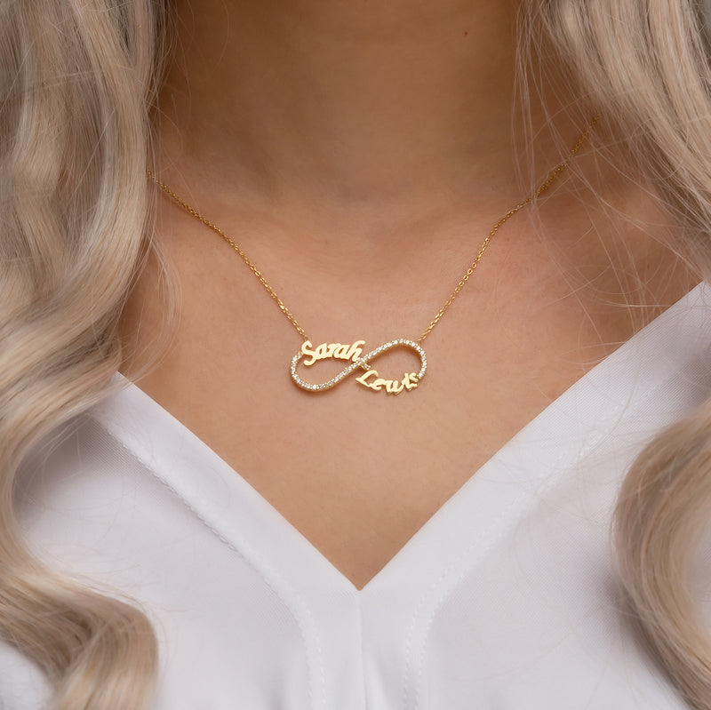 Sparkeling infinity necklace gold