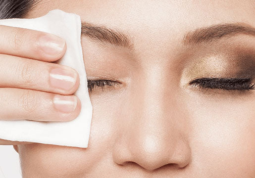 Use Eyelid Wipes as Cleanser