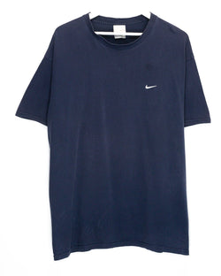 Vintage Nike Embroidered T-Shirt <br> (M/L)