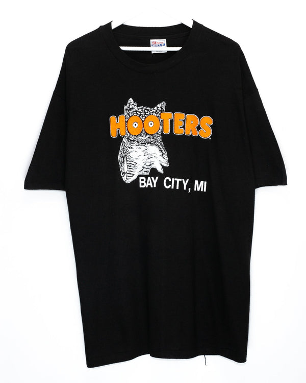 Vintage Hooters T-Shirt <br> (XXL)